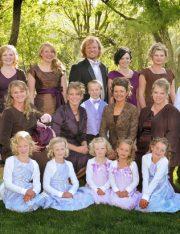 Judge Strikes Part of Utah's Polygamy Ban