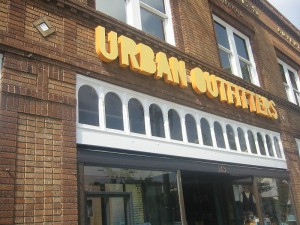 800px-UrbanOutfitters